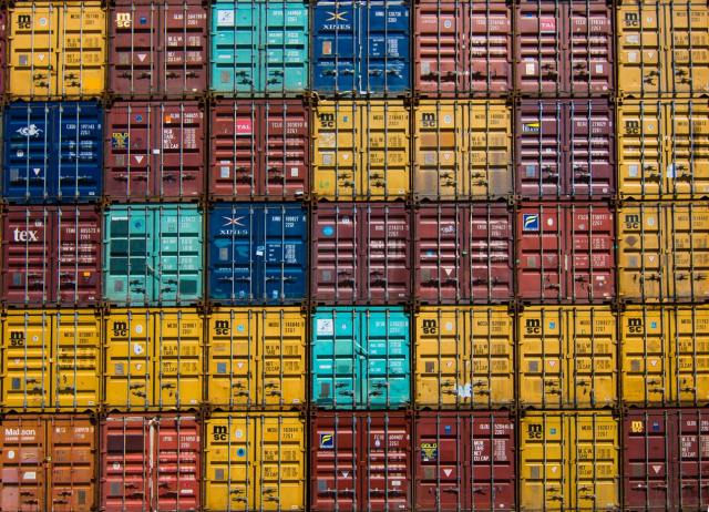 containers by Guillaume Bolduc