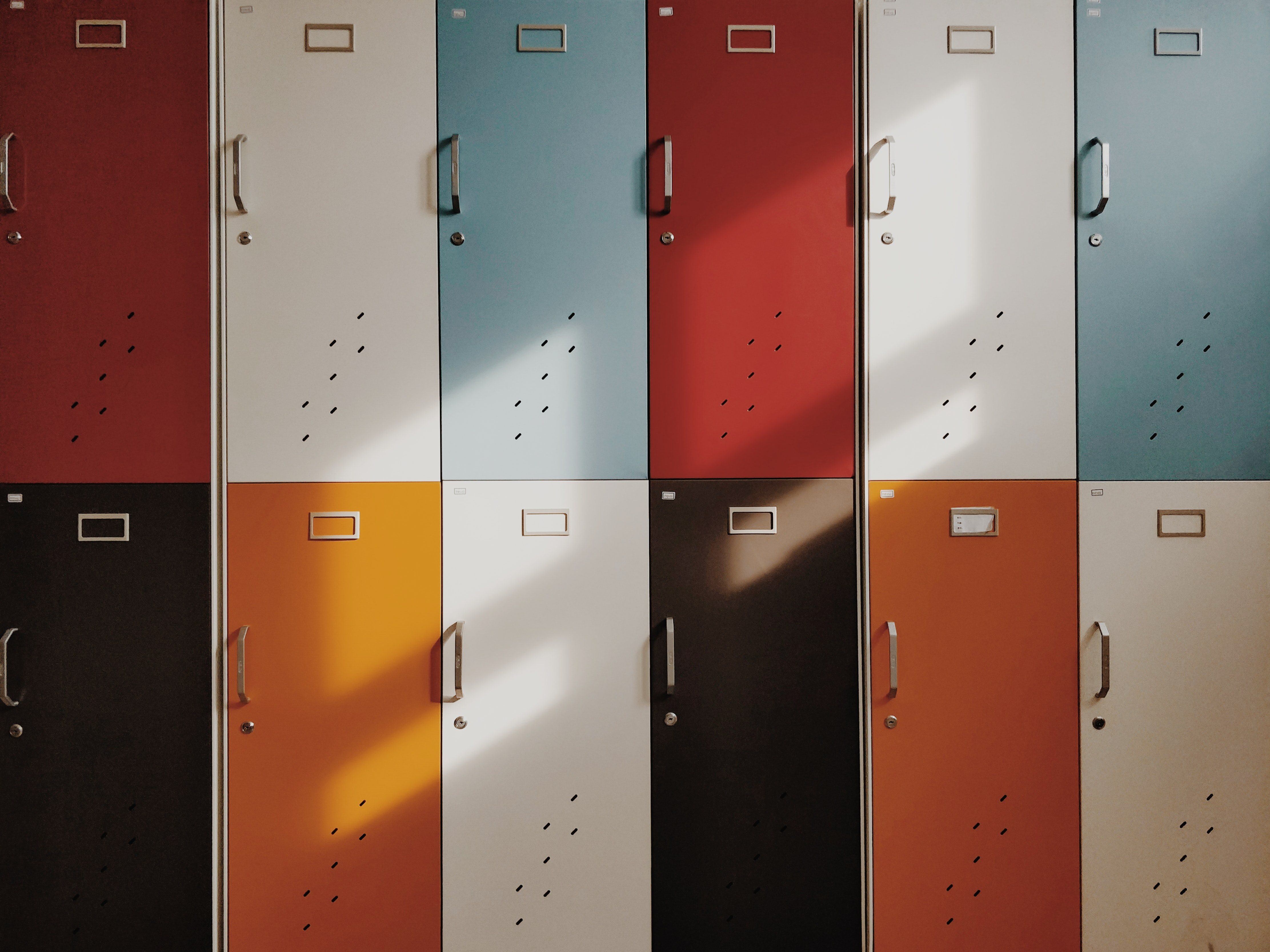 Lockers_moren-hsu-unsplash